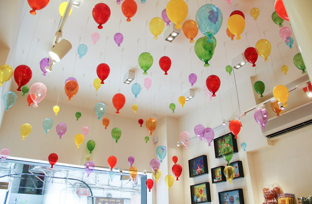 buddy-macau-glass-balloons-candy-store.jpg