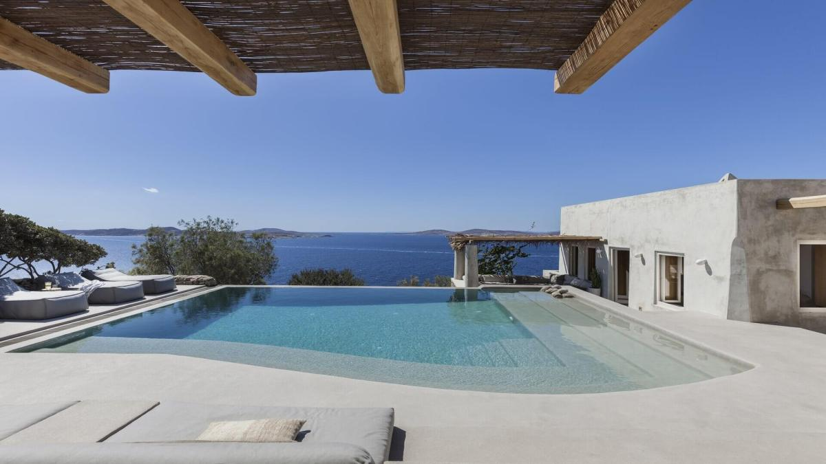 All-Encompassing Island Villas From Kinglike Mykonos