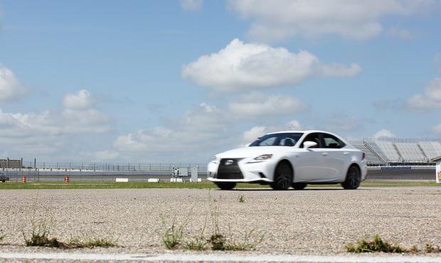 Lexus-IS-2014-5.jpg