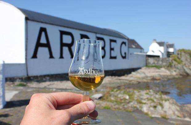 Ardbeg-Whisky-1.jpg