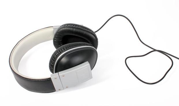POLK-audio-bucklet-heaphone.jpg