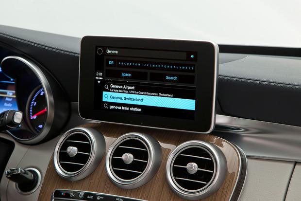 apple-carplay-mapsearch.jpg