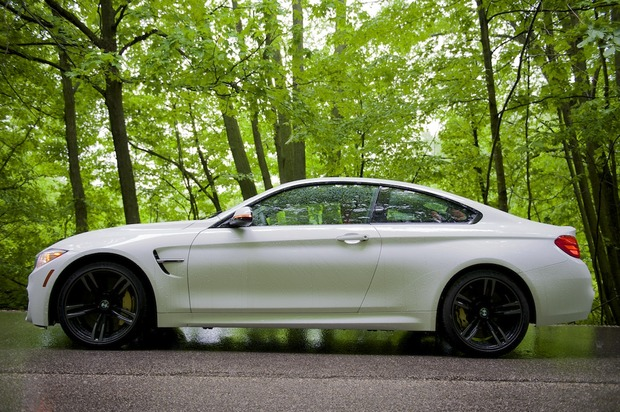 2015-BMW-M4-1.jpg