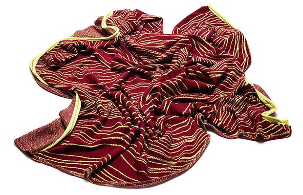 emdal-colorknit-blanket-hug-mirror-threads-aw14.jpg