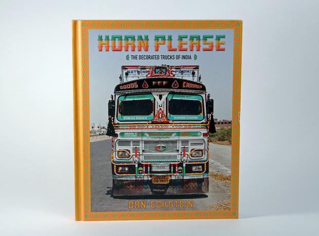 horn-please-decorated-trucks-india-1.jpg