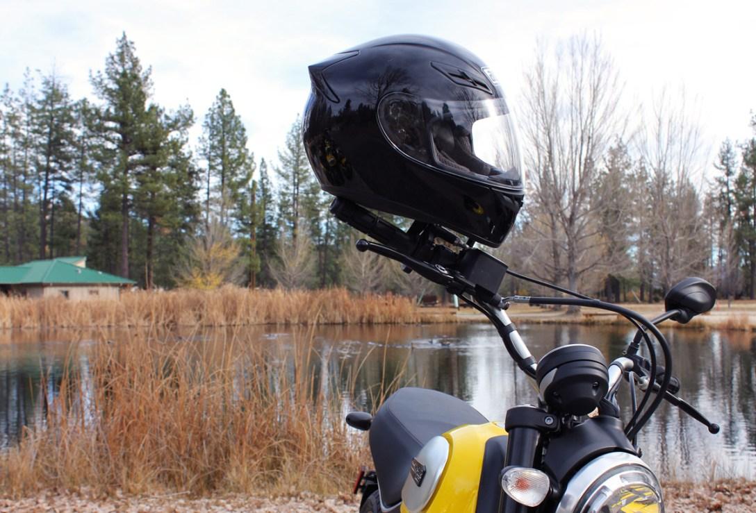 Moto-Gear-2015-AGV-helmet.jpg