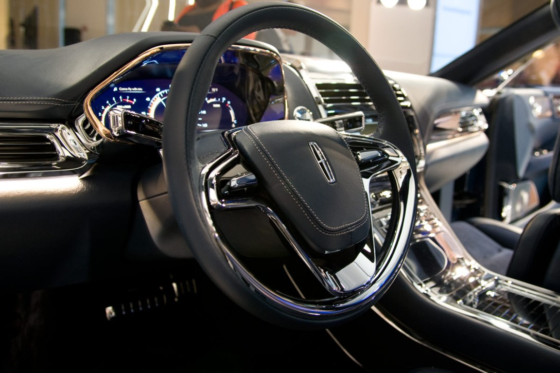 lincoln-continental-concept-5.jpg