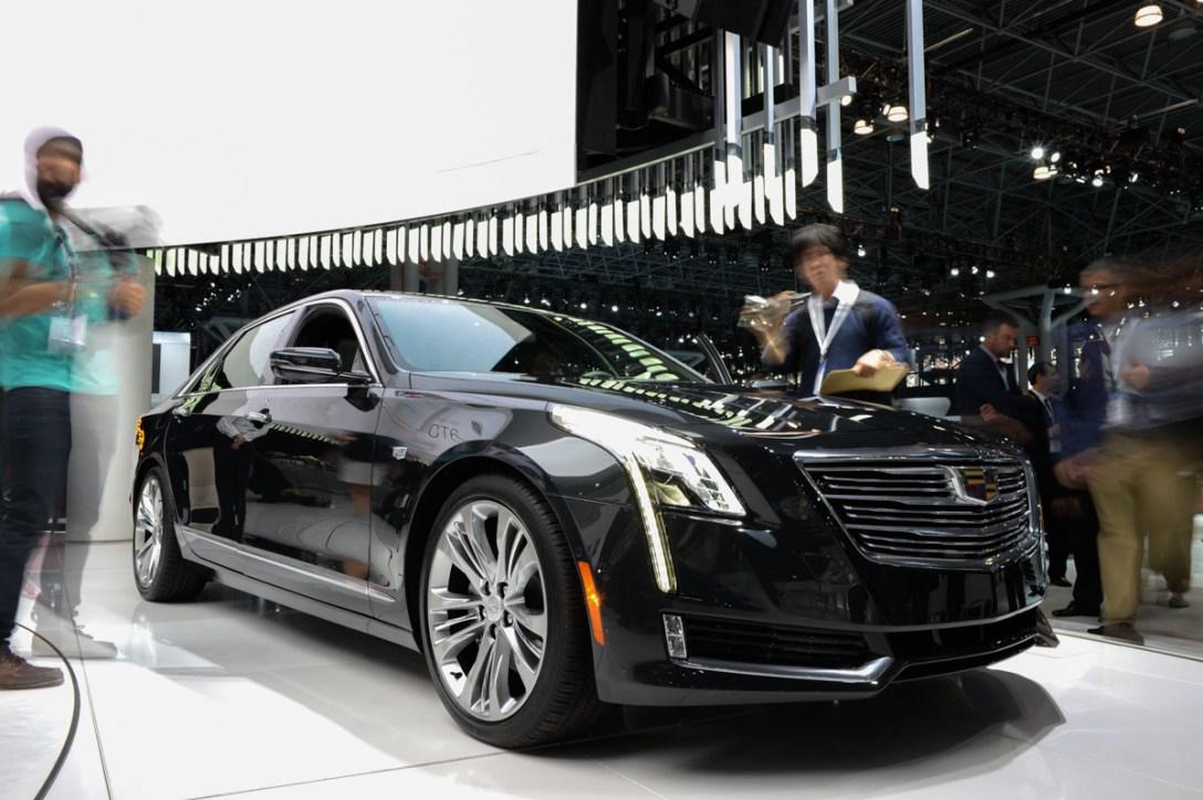 Cadillac-CT6-side-3-4.jpg