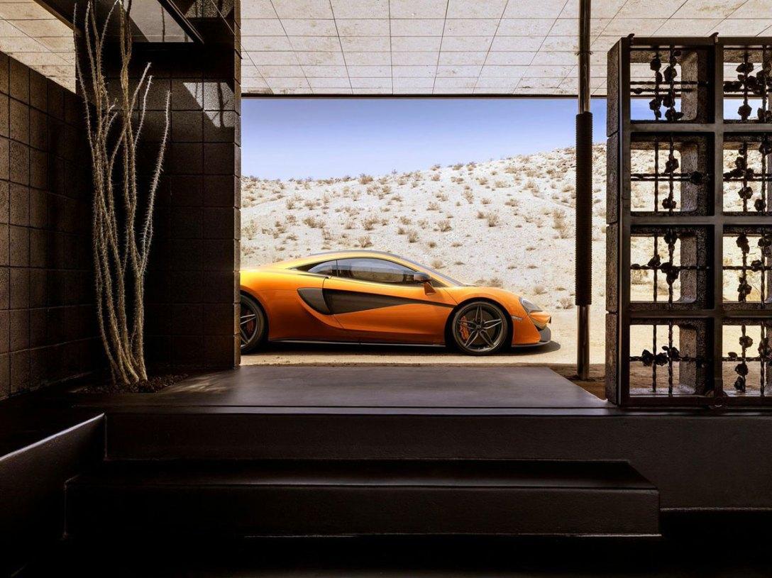 McLaren_570S_03.jpg