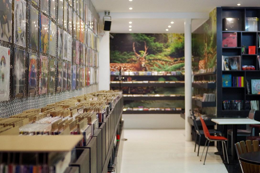walrus-paris-vinyl-cafe-cool-hunting.jpg