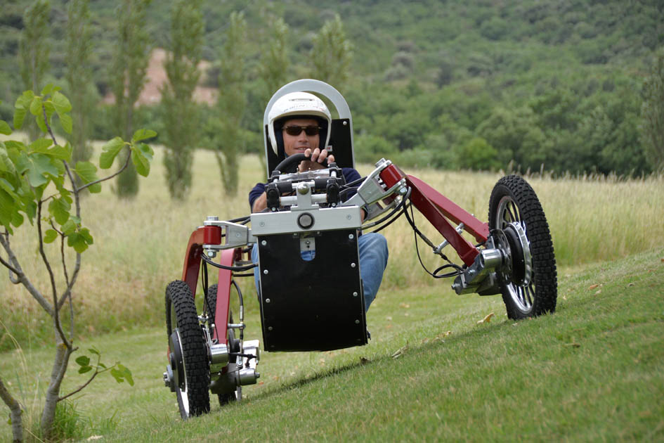 Swincar's All-Terrain Spider Electric Car