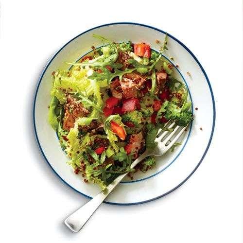18. Tigela de Salada de Carne e Vegetais