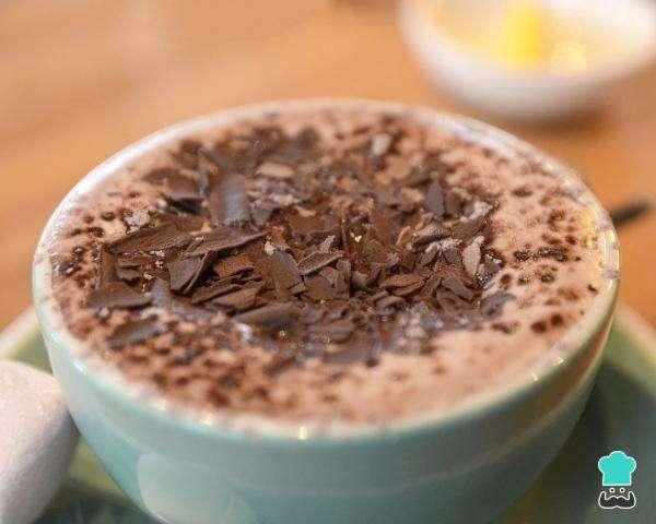 Receita de Chocolate quente cremoso com creme de leite e leite condensado