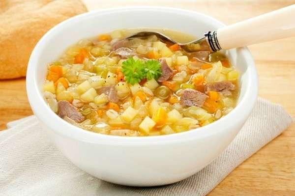 Receita de Sopa de Legumes com Carne e Macarrão