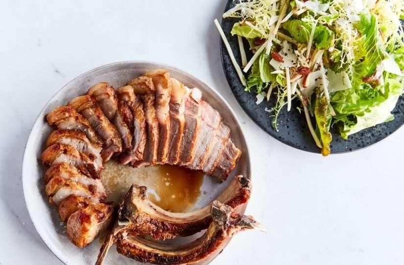 Almoço Low carb de Costela de Porco Com Aipo