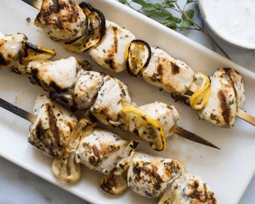 Receita de Espetos de frango grelhado com limão