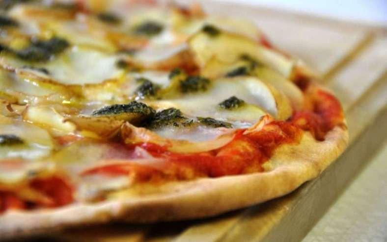 Receita de Pizza de pão de forma Fácil