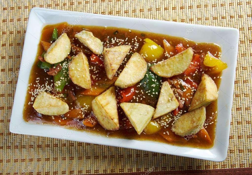 Carneiro Guisado com Legumes