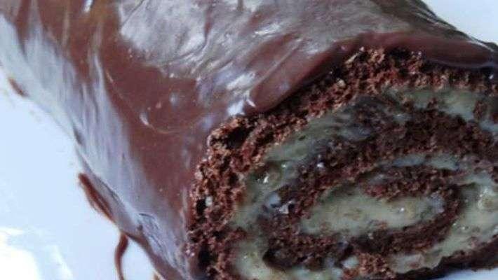 Receita de Rocambole de chocolate com nozes e amêndoas