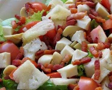 Receita de salada de tomate, abacaxi, bacon e queijo