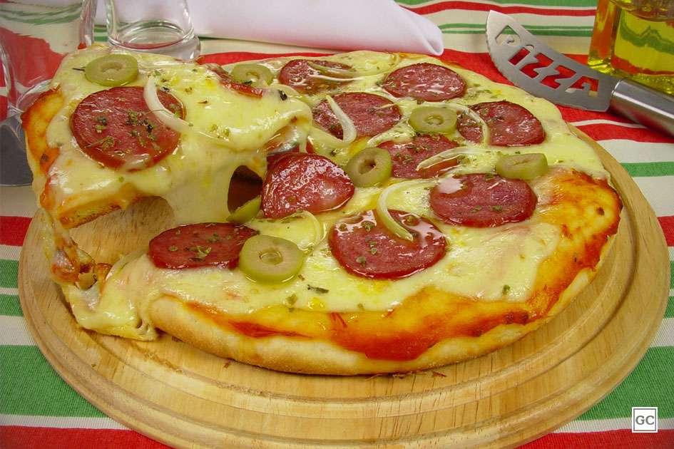 Receita de Pizza de calabresa de liquidificador