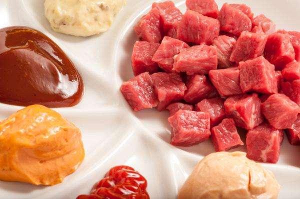 Receita de Fondue de carne simples e Gostoso