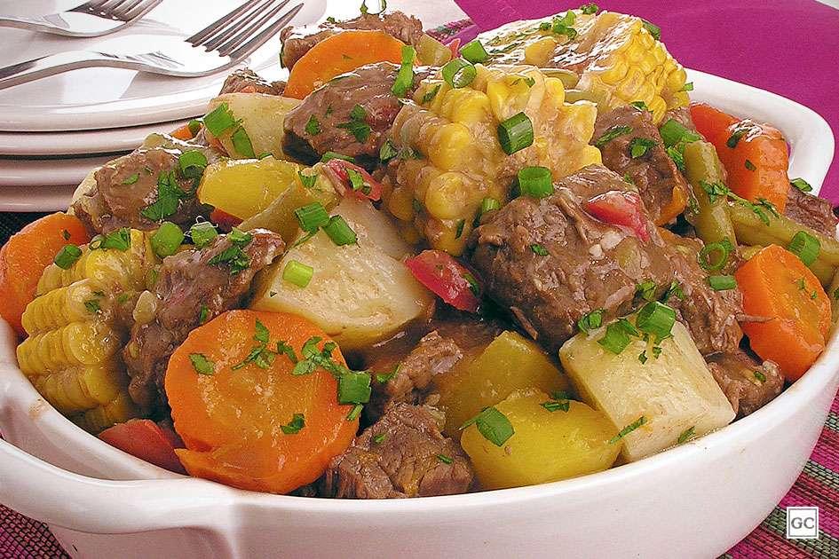 Receita de Picadinho de carne com legumes e milho