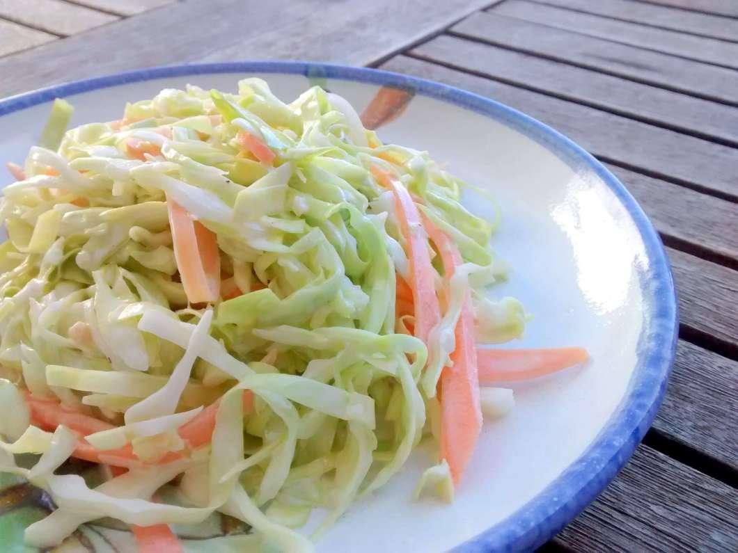 Receita de Salada de Repolho refogado com cenoura na manteiga
