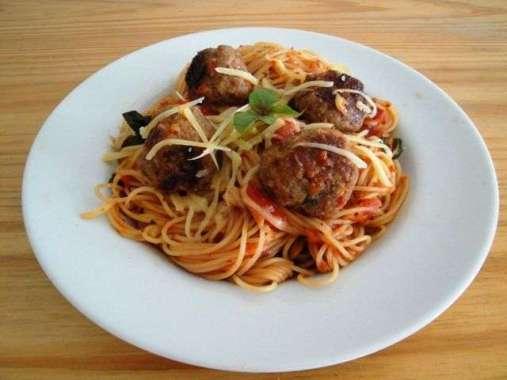 Receita de Espaguete com almondegas