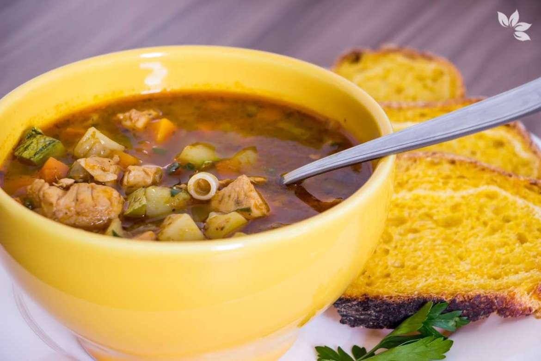 Receita de Caldo de Frango com Legumes