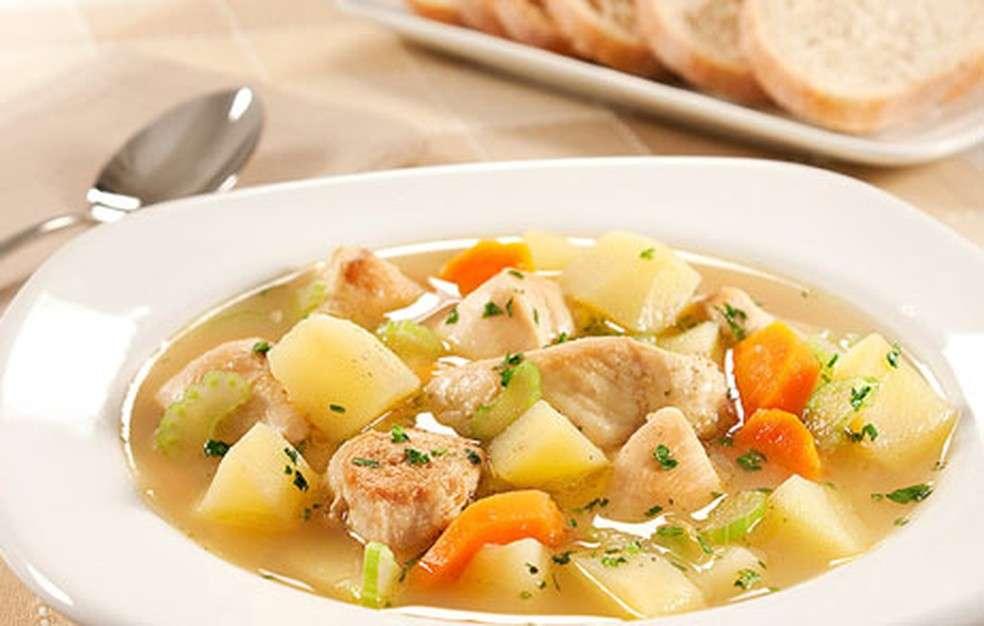 Receita de Caldo de legumes com Frango Fácil