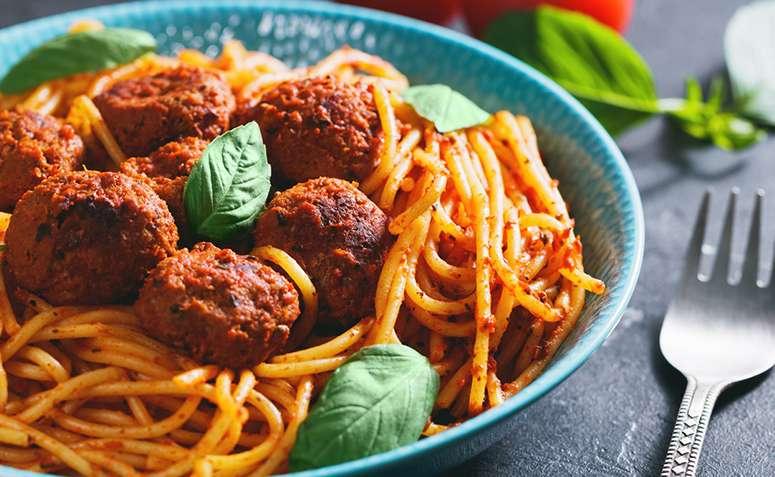 Receita de Espaguete e Almôndegas Sem Carne Low Carb
