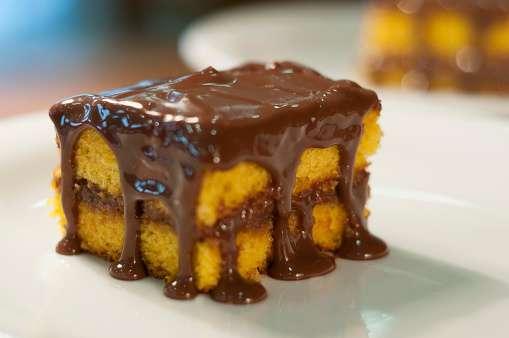 Receita de Bolo de Cenoura com Cobertura de Chocolate