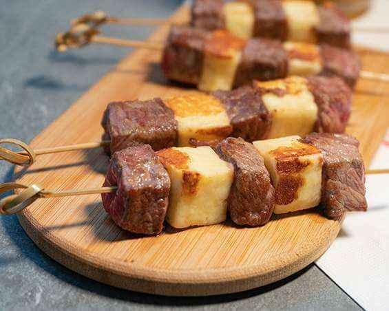 Receita de Espetinho de Carne com Queijo