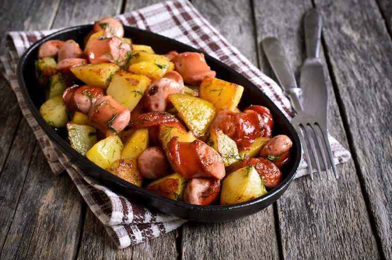 Receita de Linguiça no Forno com Batatas Diferente