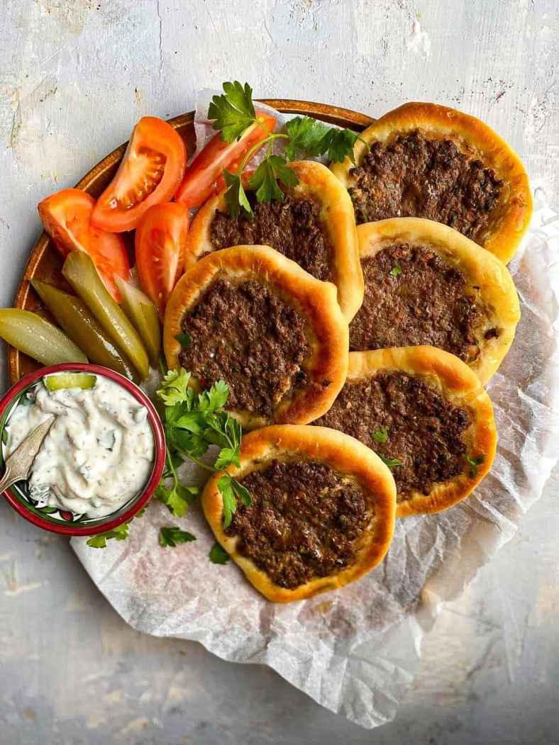 Receita de Esfiha Deliciosa Libanesa
