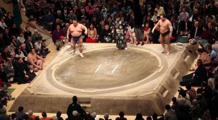 Combate trascendental entre Kotoshogiku y Hakuho