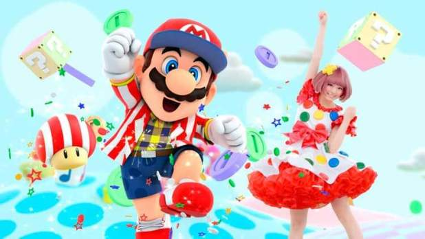 Kyary Pamyu Pamyu con Mario en un anuncio de la videoconsola New Nintendo 3DS y sus carcasas intercambiables.