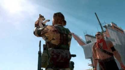 Snake y Ocelot con D-Dog en la Base Madre (Mother Base) de Diamond Dogs, su nuevo ejército.