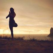 背痛到睡不著!五大瑜珈姿勢幫你紓壓解痛