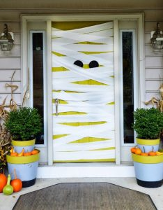Cool mom picks also fun spooky and definitely easy diy halloween door rh coolmompicks