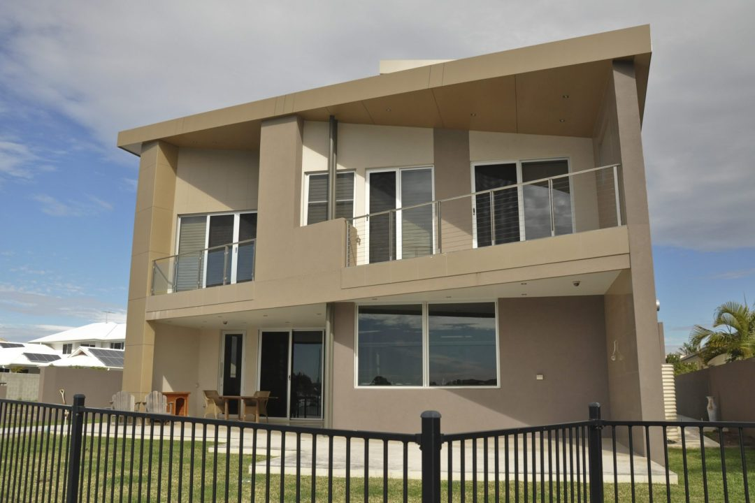 cooltone-residential-solar-raby-bay-residence-house-window-tinting