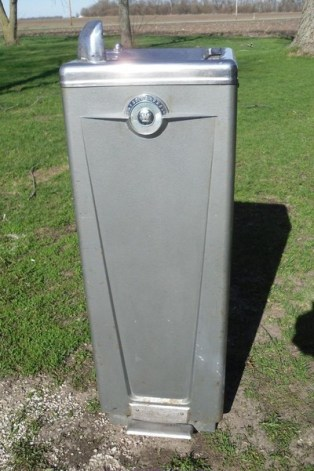 http://www.worthpoint.com/worthopedia/vtg-antique-westinghouse-water-cooler-1731322269