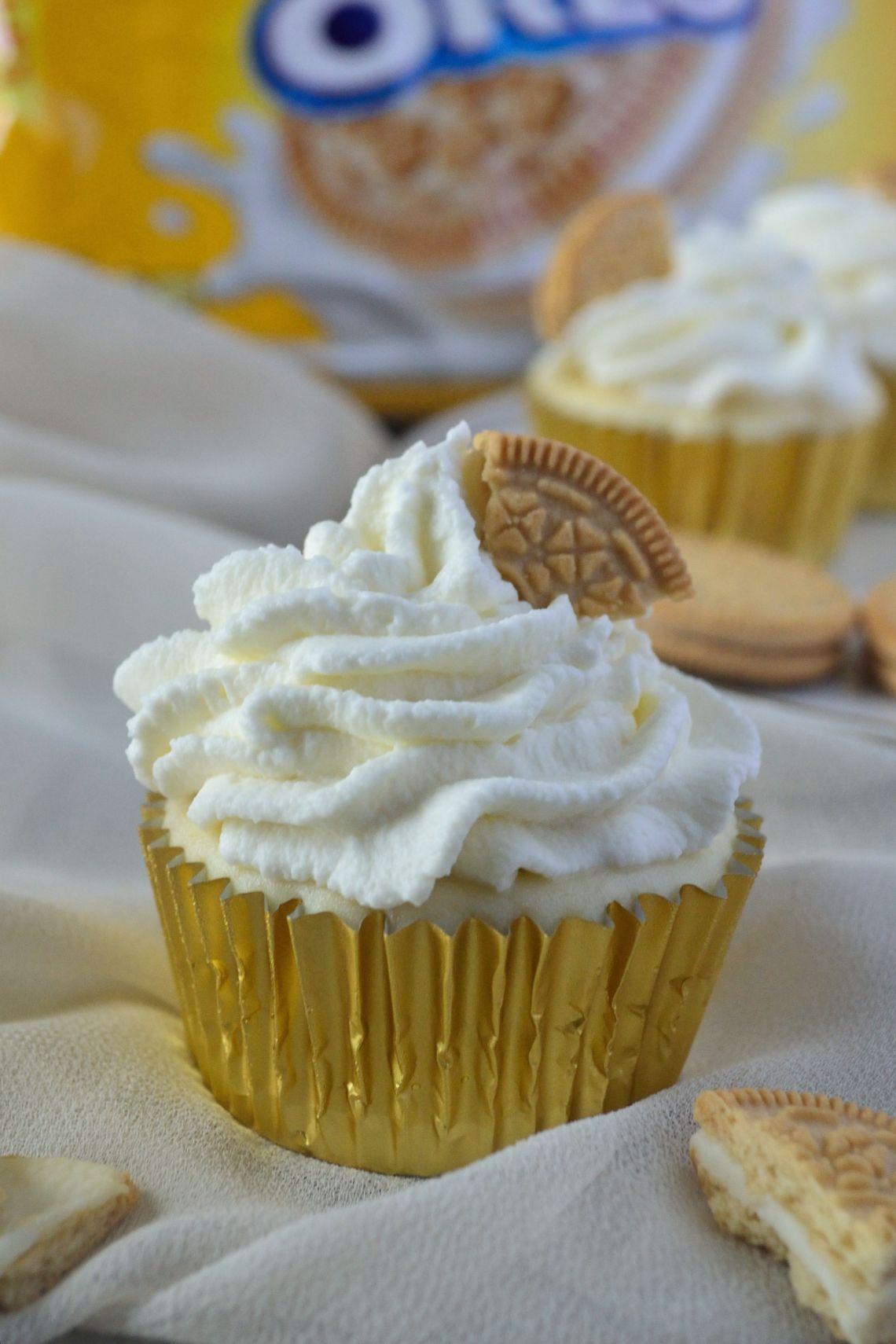 Golden Oreo Cheesecake Cupcakes
