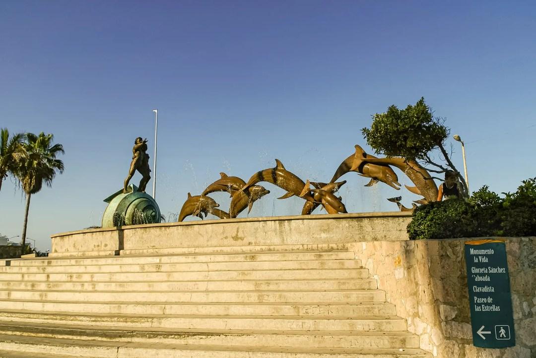 Monumento a La Continuidad de La Vida on Malecon