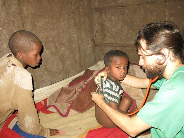Entrevista en revista Mundo Negro: África te enseña a ser persona africa alegria gambo dr alegria