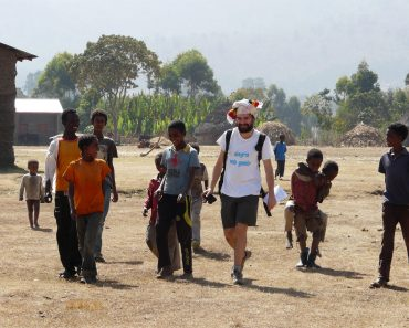 ALEGRÍA SIN FRONTERAS: Desde el corazón de Etiopía, con alma etíope, caminando y sintiendo con ellos, de su mano, entre ellos, en ellos