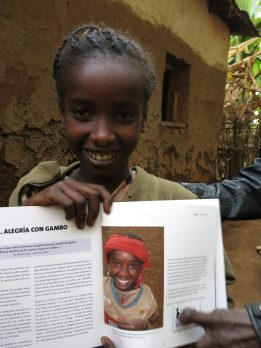 Rompiendo Estigmas Contra La Lepra: Integrando A Las Personas Afectadas De La Enfermedad De Lepra Mediante La Formación Comunitaria En La Comunidad Rural De Gambo, Etiopía africa alegria gambo alegria sin fronteras dr alegria
