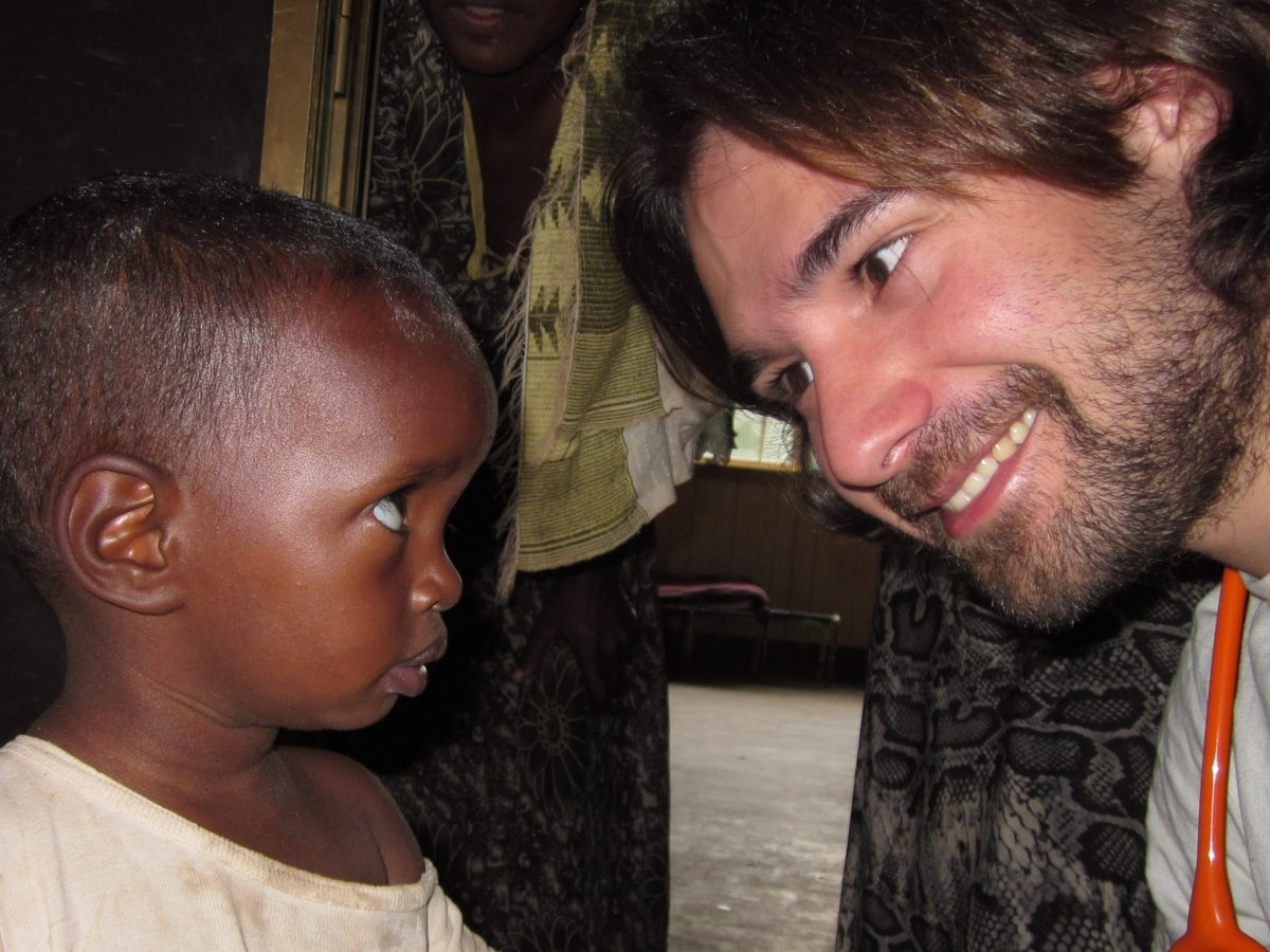 De igual a igual - Gracias a Pau Dones (Jarabe de Palo) por la canción y colaboración africa alegria gambo alegria sin fronteras dr alegria etiopia gambo