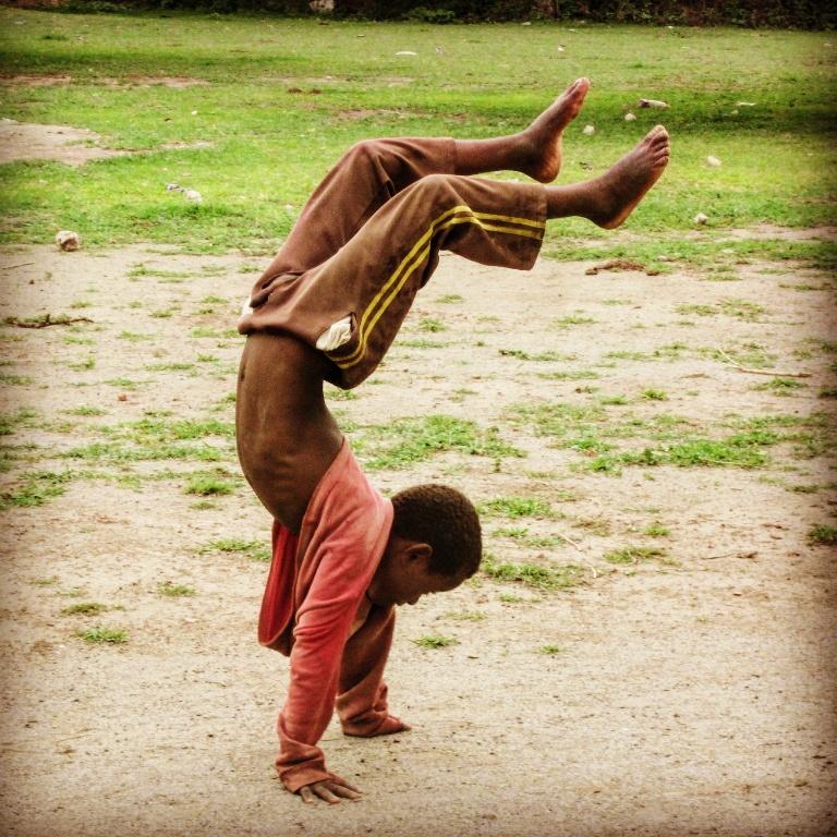 Por el derecho a ser niña – Canción de Igual a Igual (Gracias Pau Donés) alegria gambo alegria sin fronteras dr alegria etiopia gambo